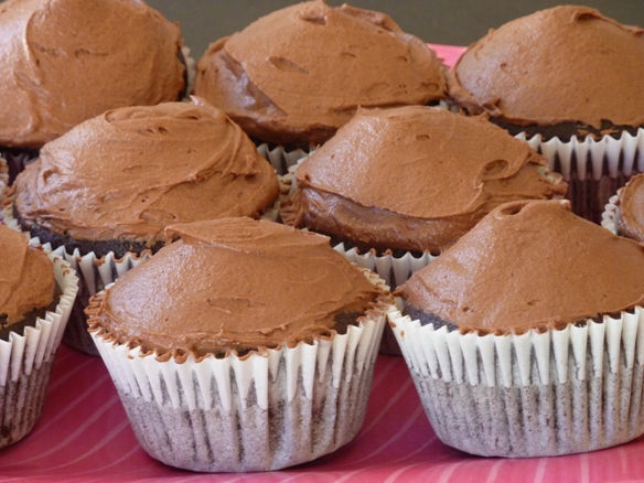 Magic_Choc_Cake_iced_cupcakes